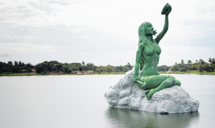 Resultado de imagem para estatuas de  fortaleza